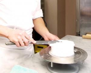 パティシエおすすめ製菓道具 ショートケーキ ナッペ用のパレットナイフ&回転台